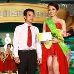 Huỳnh Như Ý dành giải tạo dáng đẹp nhất với FPT V